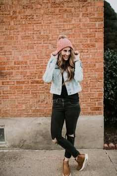 The perfect winter momiform. Love the denim jacket, basic tee, and the black distressed jeans with the pom beanie!