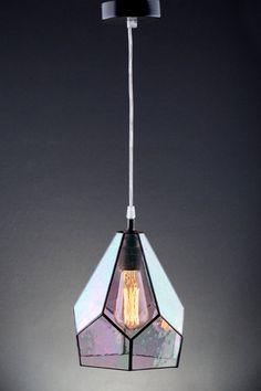 Höhe der Schatten 22 cm (8,7) Durchmesser des Schirm 20 cm (7,9)  Schöne und einfache klare Regenbogen Glas Lampenschirm. Es ist handgemachte Lampe, Terratium Stil. Es kann mit Edison-Glühlampen verwendet werden und Sie tatsächlich sehen, wie es funktioniert, weil Schatten klar ist. Set beinhaltet: Schatten 1,5 m Kabel Decke-Draht-Decke Edison-Lampe