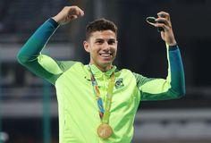 Thiago Braz recebe medalha de ouro,  e Lavillenie é vaiado de novo no Rio #globoesporte