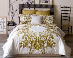 yellow bedding. so pretty!