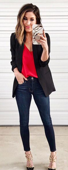 Trendy Sport Chic Feminino Trabalho Ideas Source by blazer outfit with jeans Smart Casual Blazer Outfit, Black Blazer Casual, Black Jeans Outfit Winter, Casual Friday Work Outfits, Jeans Outfit For Work, Outfit Jeans, Winter Outfits For Work, Chic Outfits, Fashion Outfits