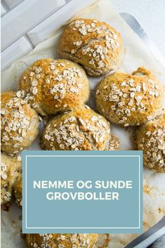 Lækre og nemme grovboller med havregryn Bread Recipes, Vegan Recipes, Cooking Recipes, Canapes, Muffin, Vegetarian, Yummy Food, Snacks, Baking