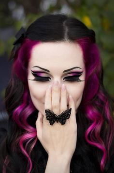 2019 Beautiful Blue and Purple Hair Color Ideas. Blue and purple hair colors can completely sweep yo Hair Color Pink, Purple Hair, Hair Colors, Color Red, Red Purple, Maroon Hair, Violet Hair, Colours, Gothic Makeup