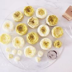 #bakingclass#buttercream#cake#baking#수제케이크#weddingcake#버터크림케이크#꽃#flowers#buttercake#플라워케이크#wedding#버터크림플라워케이크#specialcake#birthdaycake#flower#장미#rose#디저트#케이크#cupcake#dessert#food#beautiful#부케#bouquet#instacake#꽃스타그램#flowercake#peony @yoon2222222