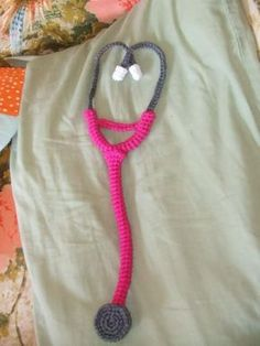 Free stethoscope toy crochet pattern | Free Amigurumi Patterns