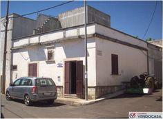 L'agenzia Immobiliare Salento Vendocasa vende abitazione indipendente a Specchia Gallone, frazione di Minervino di Lecce, a pochi minuti da Santa Cesarea Terme.