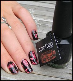 vernis-nail-polish-O.P.I-OPI-black-spotted-1.JPG