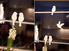 Haus Nummer 13: DIY Kommt ein Vogel geflogen - Fensterdeko für den Frühling - Freebie                                                                                                                                                                                 Mehr