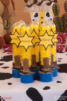 Festa toy story   Woody e Buzz   Festa de menino   Festa infantil   Tubetes decorado toy story   Decoração by Mariah festas #woody #buzz #toystory