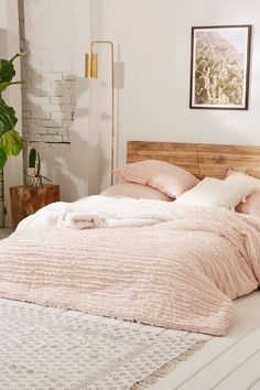 Pink bedroom, Blush bedding top picks for inspiration for a cosy and relaxing bedroom Blush Pink Bedroom, Pink Bedroom Decor, Cozy Bedroom, Dream Bedroom, Girls Bedroom, Bedroom Ideas, Trendy Bedroom, Pink Bedding, Modern Bohemian Bedrooms