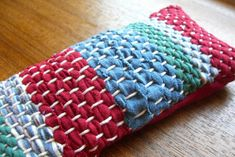 Home-Dzine - Weaving old clothes and fabric scraps