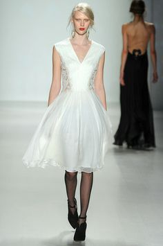 Tadashi Shoji Ready To Wear Fall Winter 2014 New York - NOWFASHION