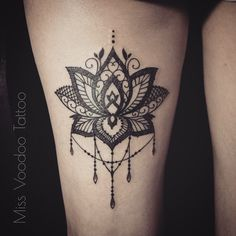 Lotus on the leg
