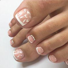Ριитєяєѕт pedichiură в 2019 г. idei unghii, unghii и pedichiură Pretty Toe Nails, Cute Toe Nails, My Nails, Ongles Gel French, French Toe Nails, Wedding Toe Nails, Bride Nails, Wedding Pedicure, Bridal Toe Nails