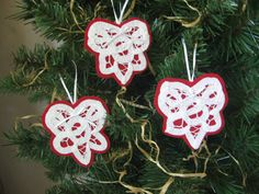 White Battenberg Lace Hearts and Felt Christmas by SnowNoseCrafts, $6.50