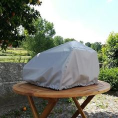 Fiesta Portable pizza oven - all weather cover. The cover was specially tailored for the pizza oven and is waterproof and UV proof keepping your Fiesta pizza oven protected from all weather elements. Best Outdoor Pizza Oven, Portable Pizza Oven, Outdoor Bbq Kitchen, Pizza Oven Kits, Pizza Ovens, Small Pizza, Four A Pizza, Barbecue, Bbq Grill