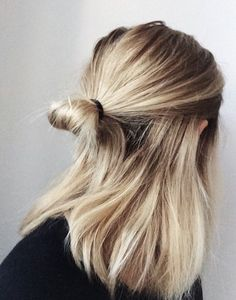 Are you looking for best hair colors to apply for long hair? Just see here, we have made a collection of fantastic long balayage colored hairstyles Messy Hairstyles, Pretty Hairstyles, Good Hair Day, Hair Dos, New Hair, Hair Inspiration, Blonde Hair, Short Blonde, Short Hair Styles