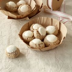 Cinnamon Balls Recipe- Zimtkugeln Rezept Our balls are made much faster than conventional cinnamon stars. And so delicious! Cookies Gluten Free, No Bake Cookies, Cake Cookies, No Bake Cake, Baking Muffins, Baking Cupcakes, Cinnamon Balls Recipe, Holiday Baking, Christmas Baking