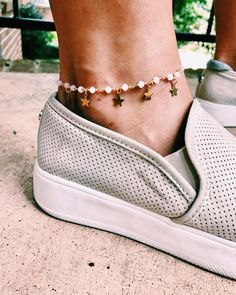 Top Anklets to buy and Gold jewelry for men - Products - Jewelry Dainty Jewelry, Cute Jewelry, Jewelry Accessories, Fashion Accessories, Jewelry Design, Women Jewelry, Gold Jewelry, Fashion Jewelry, Jewelry Ideas