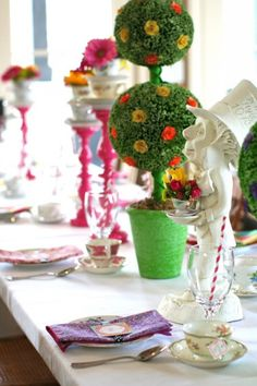 Love the the bold colors and beautiful table design.