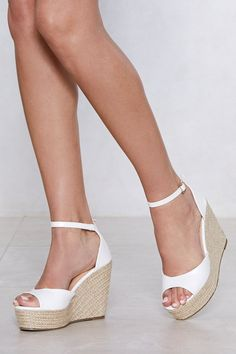 Walk a mile in new high heels, sandals, flats, ankle booties or whatever takes your fancy. Shop all women's shoes at Nasty Gal. Studded Heels, Wedge Heels, Wedge Sandals Outfit, Heeled Sandals, Shoe Wedges, Slide Sandals, Leather Sandals, Cork Wedges, Bow Sandals
