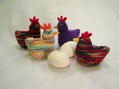 free #Knitting Patterns Galore - Chicken and Duck Egg Cozies (Easter)
