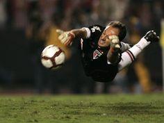 1b42099973 Ceni saves a penalty - Libertadores (clicked by Marcelo Ferrelli Gazeta  Press)