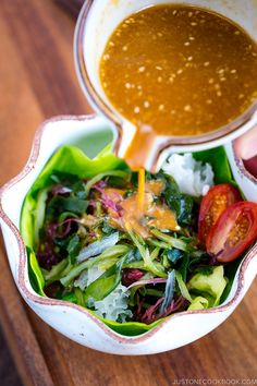 Healthy and refreshing Seaweed Salad served with savory Miso Dressing. Sea Weed Recipes, Asian Recipes, Healthy Recipes, Ethnic Recipes, Miso Salad Dressing, Salad Dressing Recipes, French Salad Recipes, Japanese Salad, Japanese Food