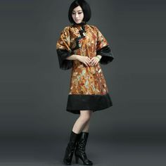 The emperor's palace.Classical embriodery chinese cheongsam dress