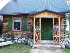 Wooden Cottage, Wooden House, Front Door Canopy, Home Decor Furniture, Exterior Design, Tiny House, Pergola, Sweet Home, Shed