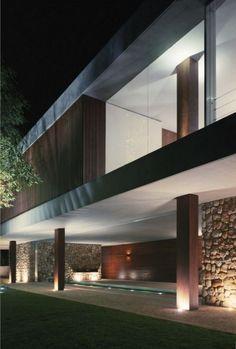 Modern BR House by Marcio Kogan