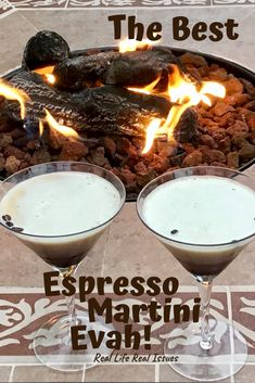 How to make the best Espresso Martini Evah! Martini Recipes, Cocktail Recipes, Expresso Martini Recipe, Coffee Martini Recipe, Cocktail Drinks, Cocktails, Eggnog Cocktail, Lemonade Cocktail, Martinis