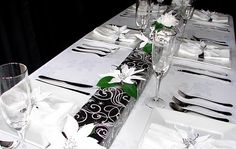 Table setting black and silver parcels