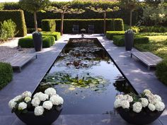 A long, narrow pond fits well in a langges - Cottage Garden Pond Swimming Pools Backyard, Ponds Backyard, Backyard Landscaping, Pond Design, Garden Landscape Design, Garden Images, Garden Pictures, Backyard Water Feature, Water Features In The Garden