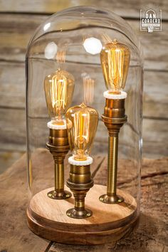 Lampe Edison cloche en laiton antique par Dan Cordero x cm Glass Bell Jar, The Bell Jar, Glass Domes, Lamp Cord, Lamp Socket, Lampe Edison, Edison Bulbs, Industrial Style Lamps, Porcelain Dolls Value