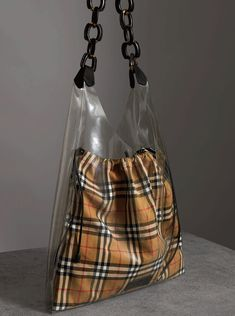 A #Burberry transpar
