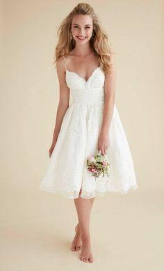 vestidos-de-novia-sencillos-romanticos-corto