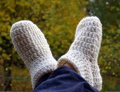 Zu kalten Herbst- und Winterabenden gehören auch kuschelige Hüttenschuhe, die die Füße wärmen :o)