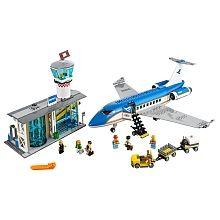 """LEGO City - Terminal de Passageiros do Aeroporto - 60104 - LEGO - Toys""""R""""Us"""