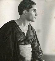 Das Joseph Schmidt-Archiv Joseph Schmidt, Ruffle Blouse, Sculpture, Statue, Women, Fashion, Opera Singer, Singers, Archive
