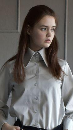 Woman Shirt, Satin Blouses, Collar Blouse, Collars, Button Up Shirts, Buttons, Tops, Women, Fashion
