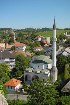 Husejnija Dzamija Mosque in Gradacac, Bosnia Temple Architecture, Ancient Greek Architecture, Islamic Architecture, Beautiful Mosques, Beautiful Buildings, Islamic World, Islamic Art, Places Around The World, Around The Worlds