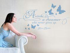 Perfect Wandtattoo Zitat von Nelson Mandela in englisch A winner is a dreamer who never gives