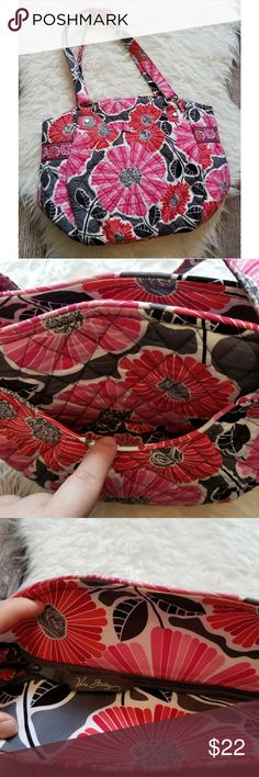 NICE NEW vera Bradley purse New, never used. Has a pocket in the front and one large zip space.  (I have more vera Bradley available on my page) Vera Bradley Bags Shoulder Bags