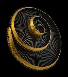 "Judith Kinghorn - ""Overall Ascending Spiral"" brooch/pendant, in sterling silver and 24k gold. 3 x 1.25"""