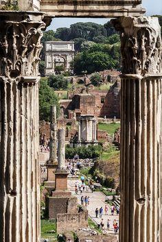 A view from the Tabularium to the Arch of Titus, Roman Forum (capitelli del tempio di Vespasiano)