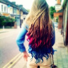 ombre hair styles, ombre hairstyles, ombre styles for girls. I want this hair! Color Del Pelo, Corte Y Color, Hair Chalk, Super Long Hair, Favim, Rainbow Hair, Hair Dos, Pretty Hairstyles, Wedding Hairstyles