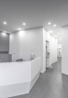 Arad Dental Clinic by Ayeneh Office