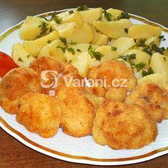 Zapečený květák s bramborem v sýrové omáčce recept - Vareni.cz Potato Salad, Potatoes, Ethnic Recipes, Food, Potato, Essen, Meals, Yemek, Eten