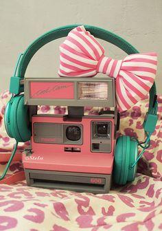 この画像の最もポピュラーなタグは次を含みます:pinkとcameraとheadphonesとbow 、 vintage